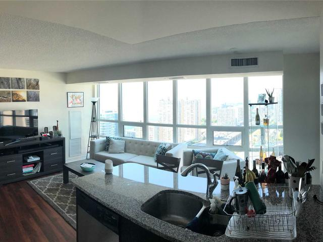 3702 - 19 Grand Trunk Cres