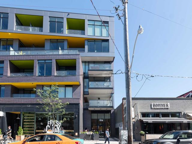 109 Ossington Ave, Unit 301