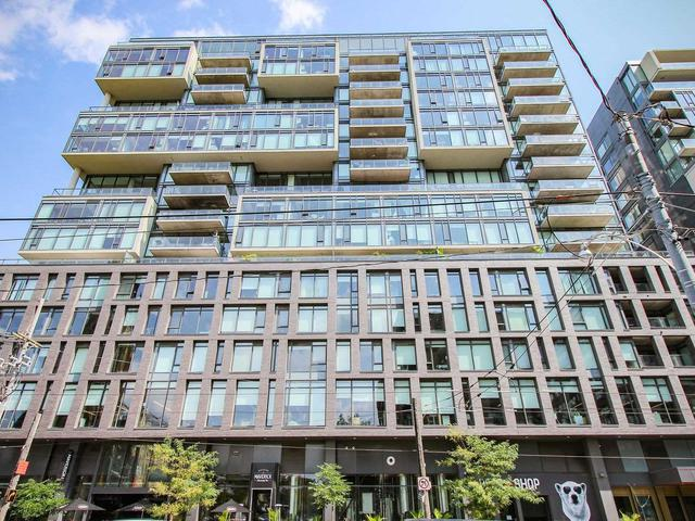111 Bathurst St, Unit 904