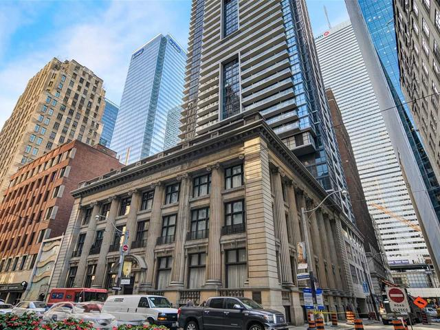 73 Richmond St W, Unit 409