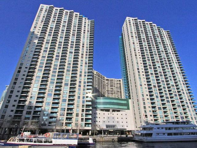 77 Harbour Sq, Unit 1407