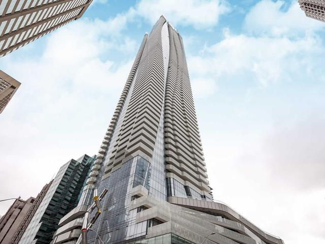 1 Bloor St E, Unit 1307