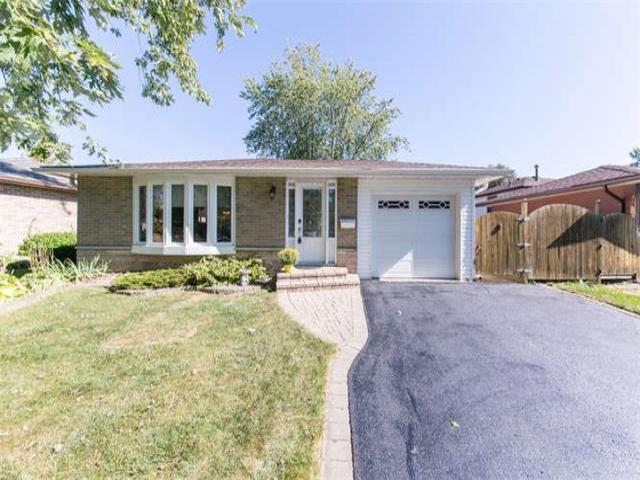 12 Cowling Cres