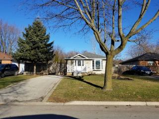 725 Downview Cres Cres