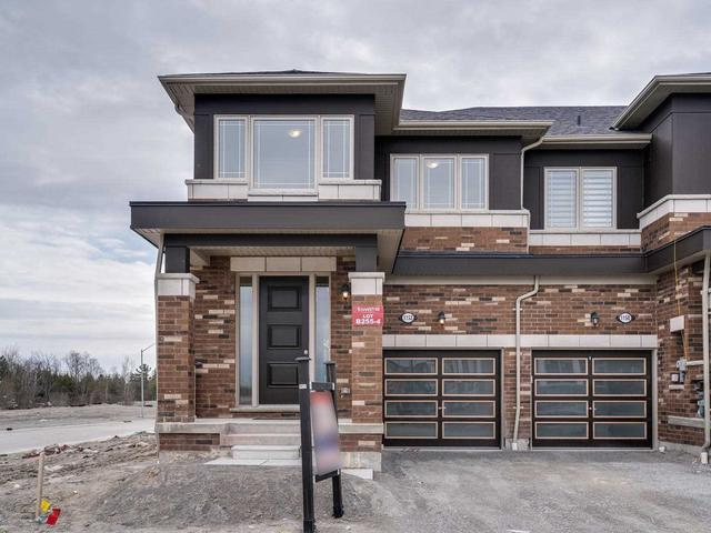 1152 Enchanted Cres