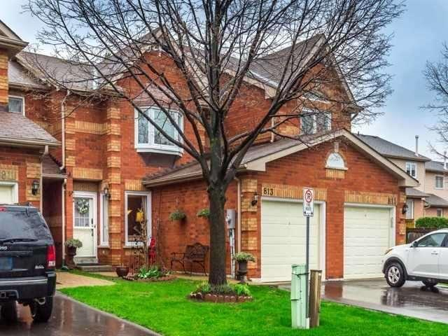 813 Playter Cres