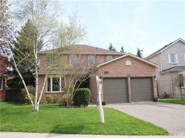 380 Kelly Cres