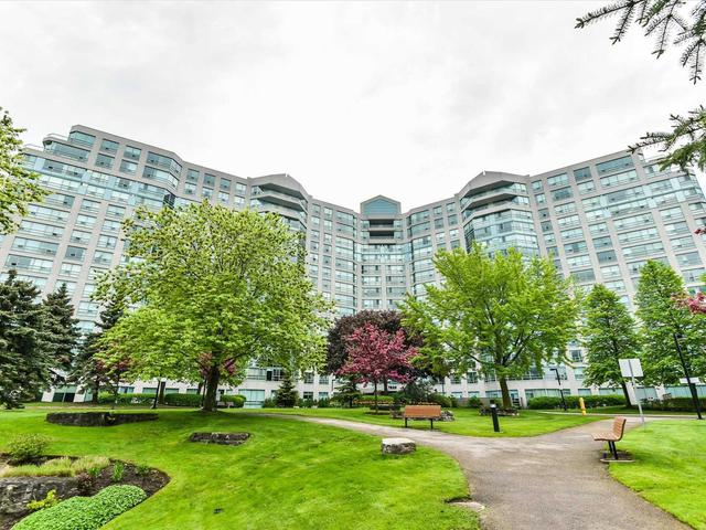 7825 Bayview Ave, Unit 901