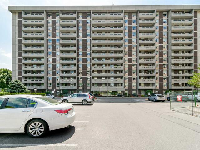 50 Inverlochy Blvd, Unit 305