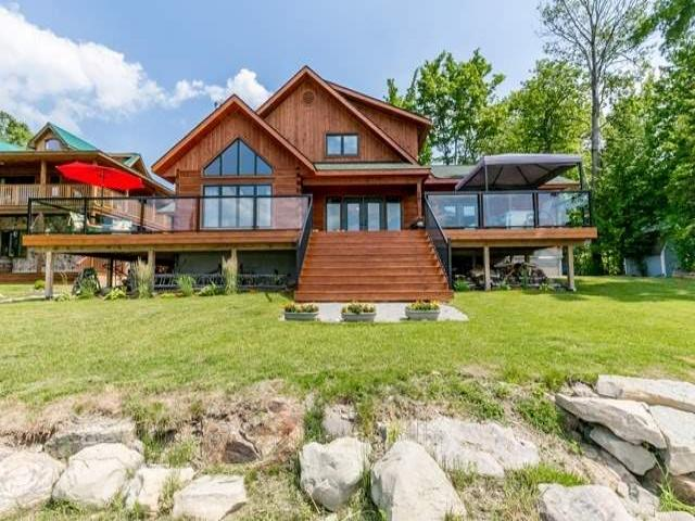 74 Robins Point Rd
