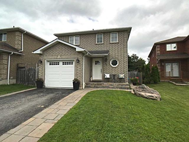 35 Clute Cres