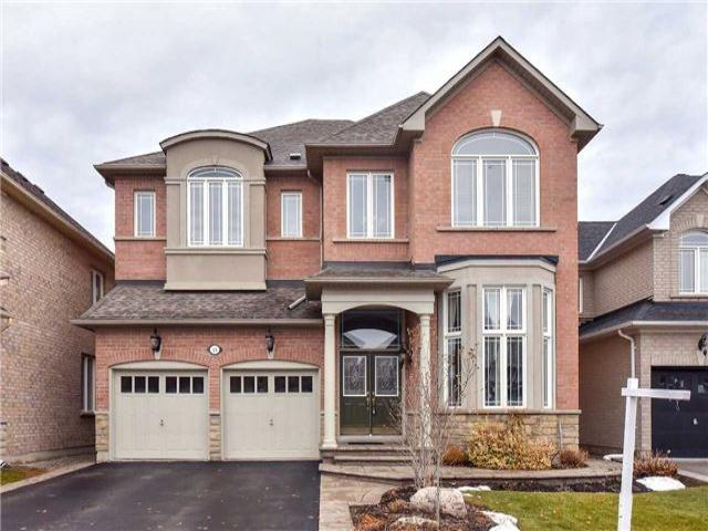 48 Howland Cres