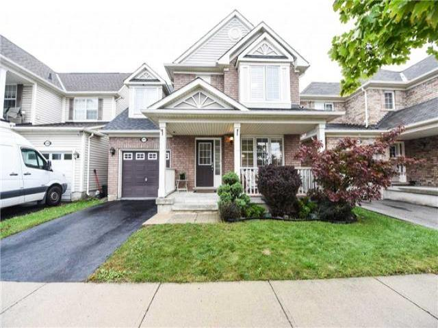 1097 Bowring Cres