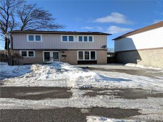 30 Grand Valley Dr