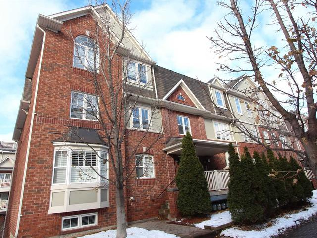 790 Neighbourhood Circ, Unit 5