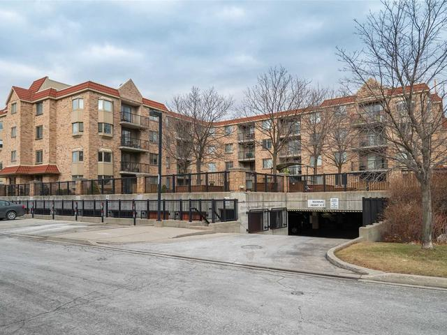 3499 Upper Middle Rd, Unit #211