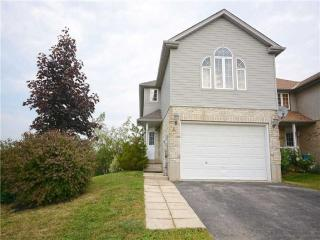 5 Chateau Cres