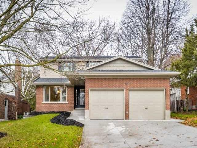 125 Candlewood Cres