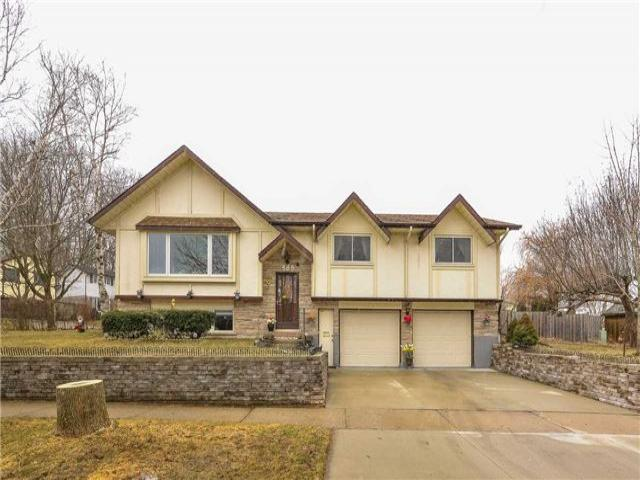 585 Canewood Cres
