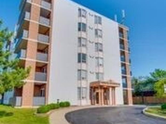 870 Upper Wentworth Ave, Unit 302