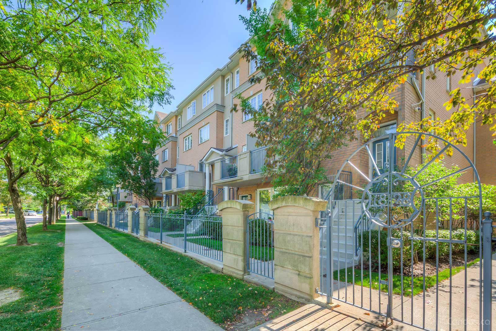 Sommerset at Northtown at 18 Sommerset Way, Toronto 0