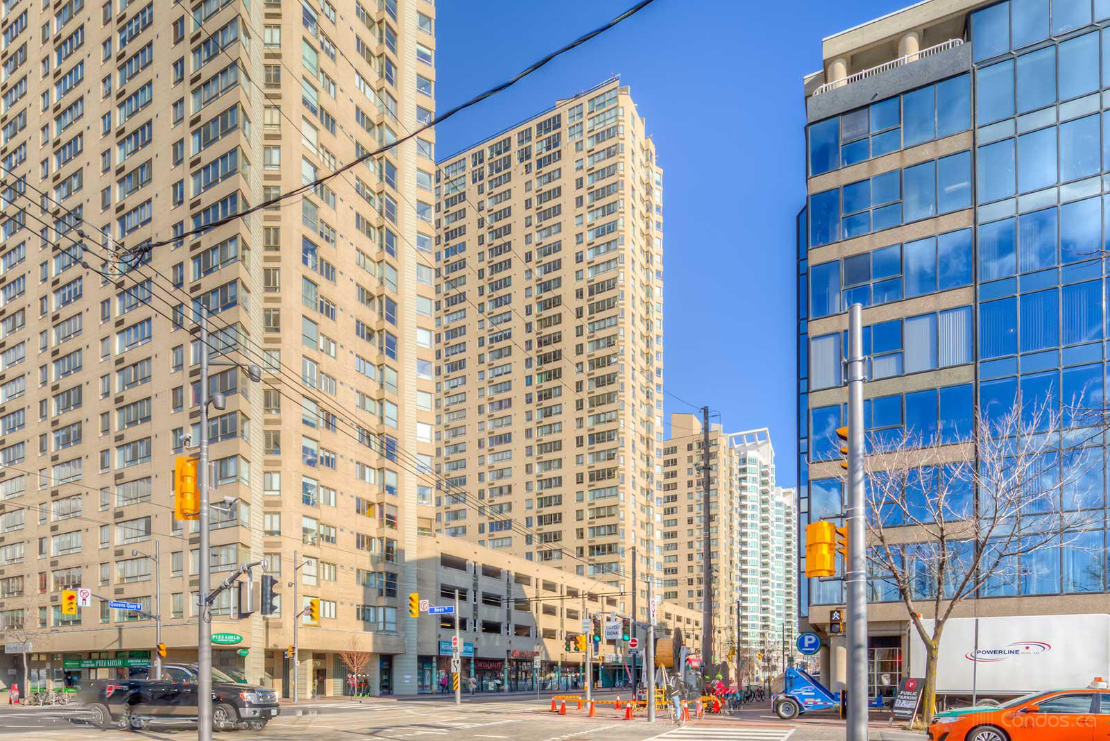 Harbourpoint Ⅱ at 260 Queens Quay W, Toronto 1