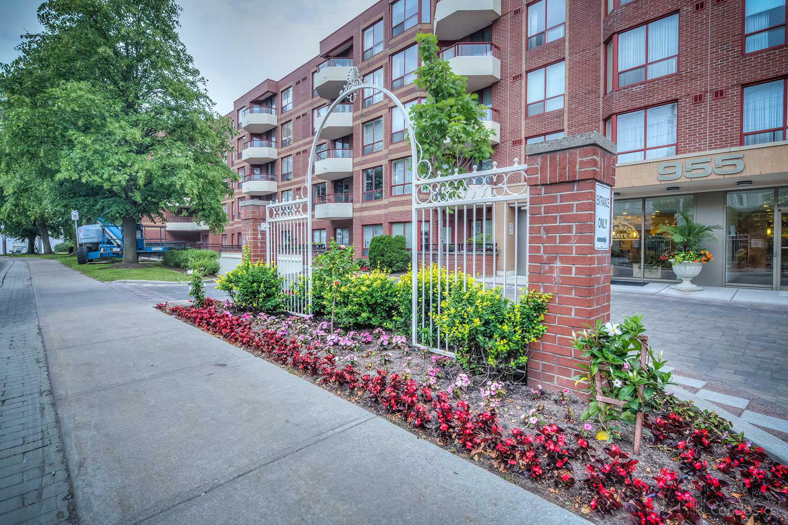Leaside Gate at 955 Millwood Rd, Toronto 1