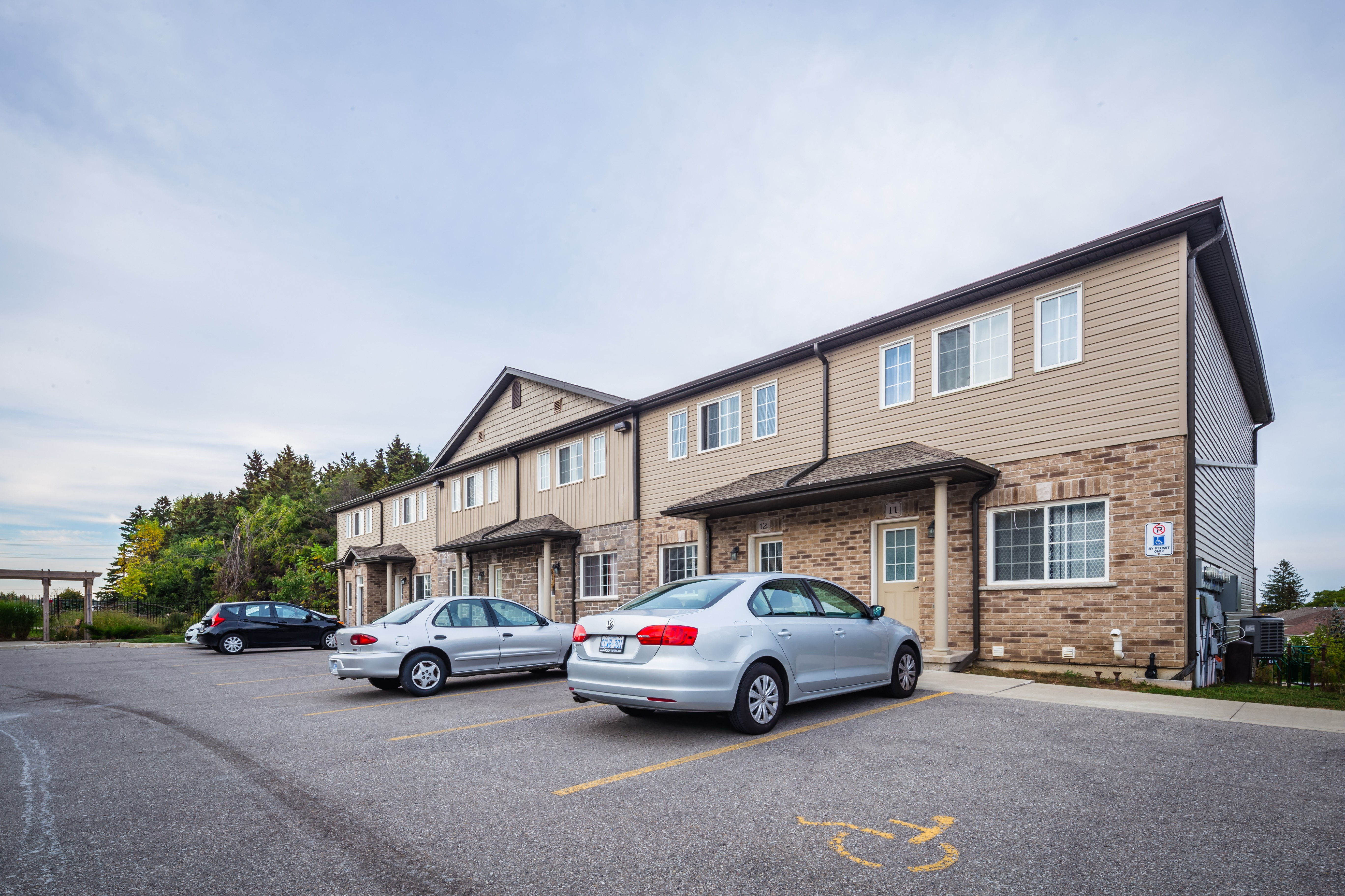 1180 Countrystone Condos at 1180 Countrystone Dr, Kitchener 1