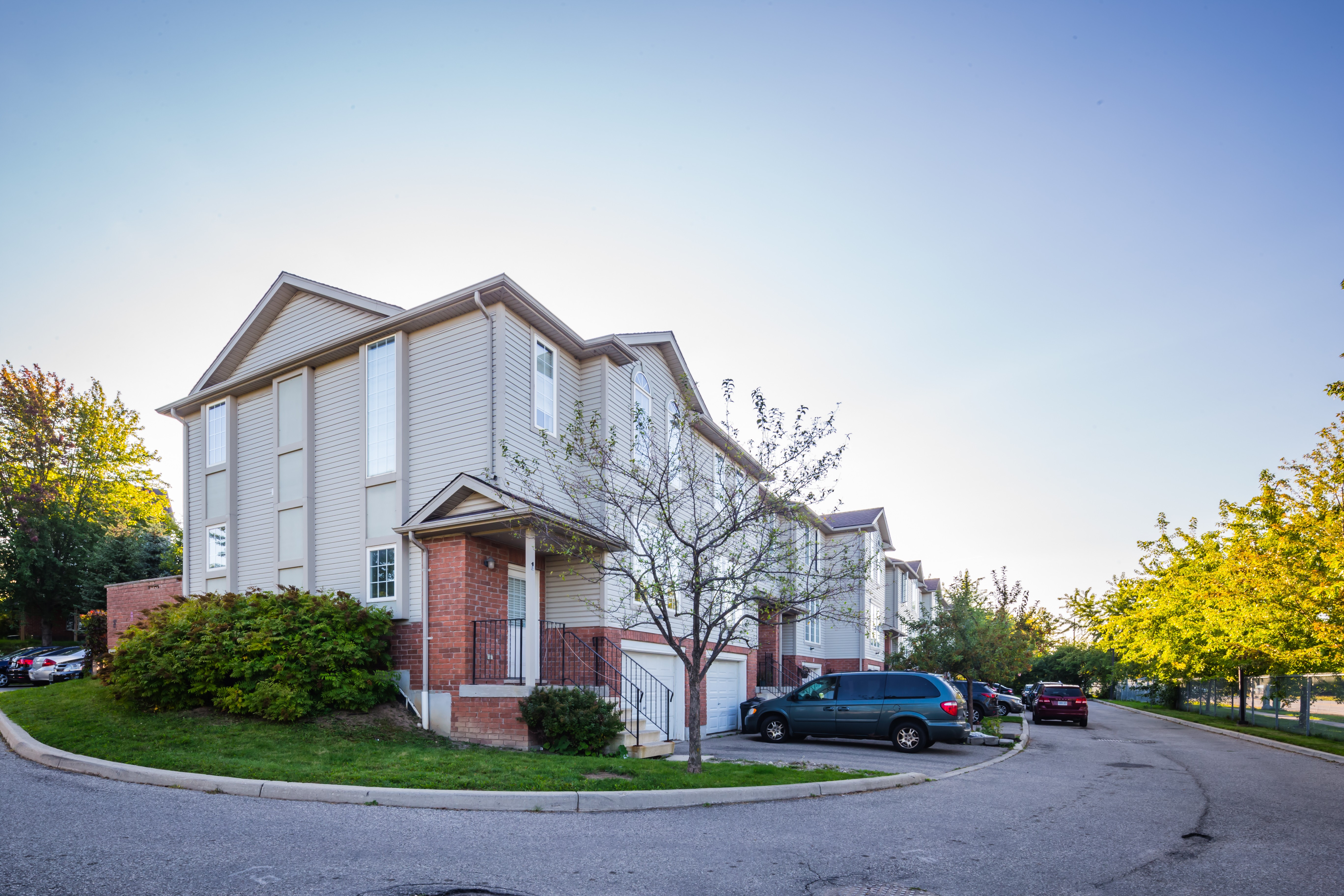 600 White Elm Townhomes at 600 White Elm Blvd, Waterloo 0