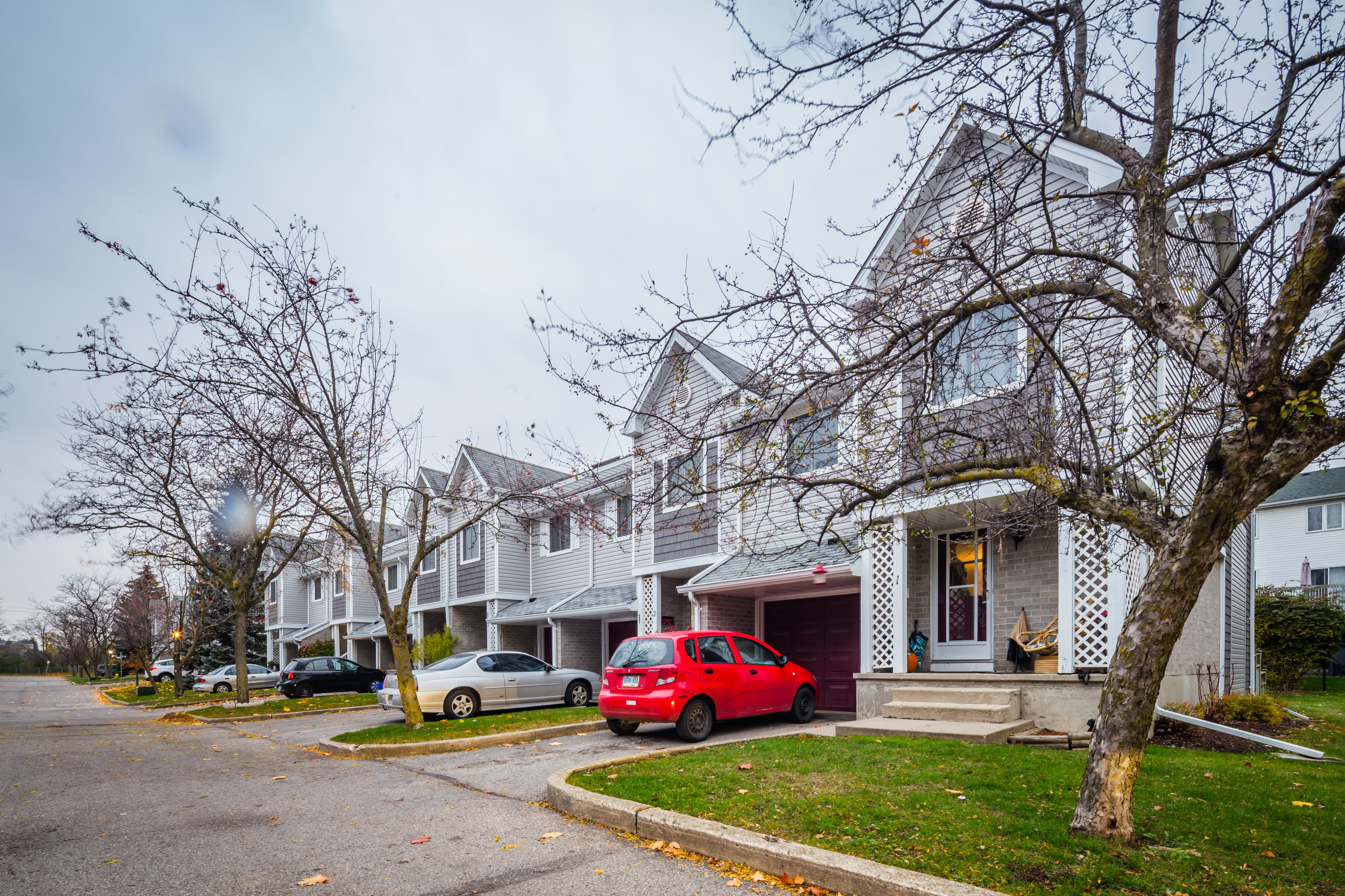 Tall Pines at 54 Green Valley Dr, Kitchener 1