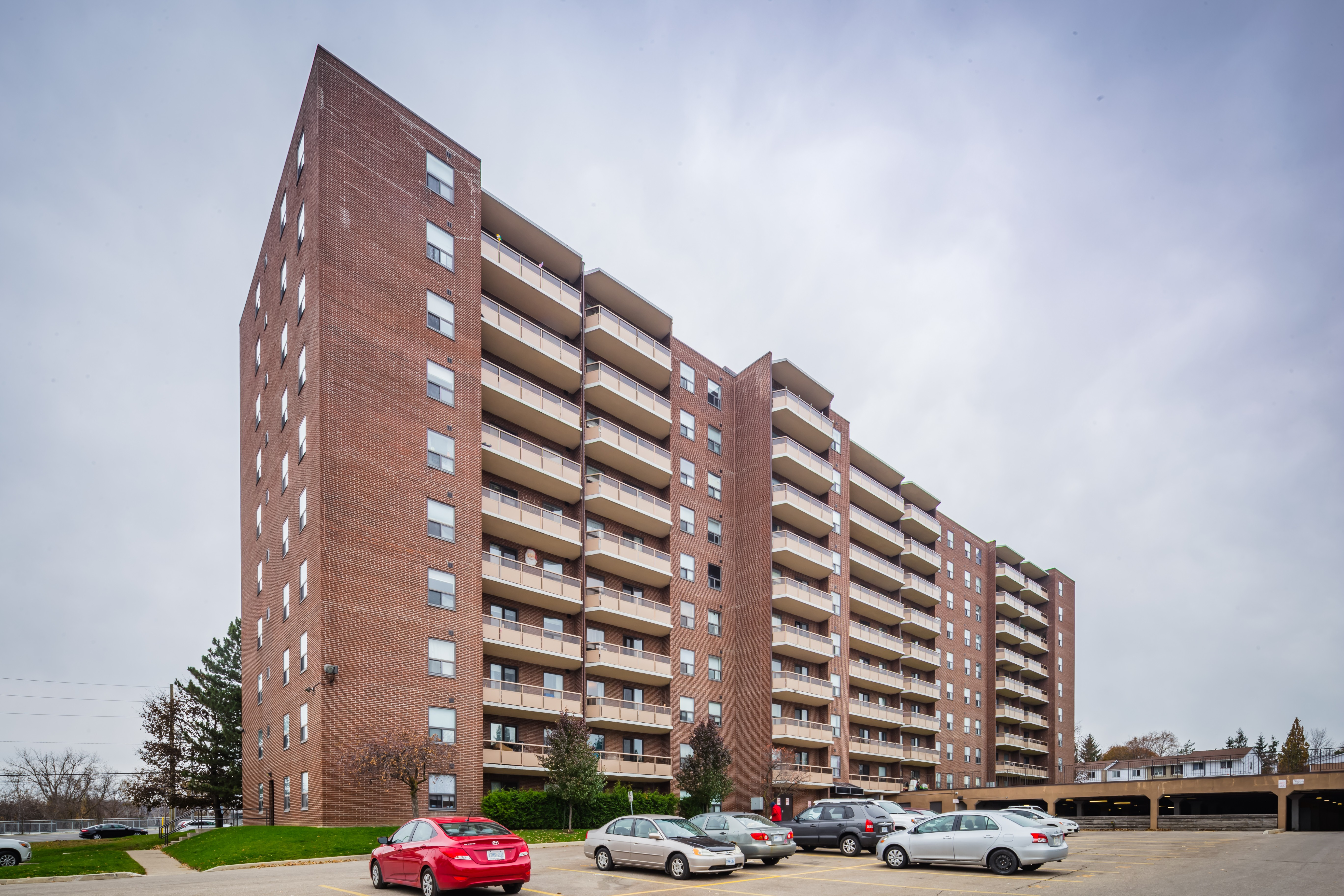 Courtland Terrace at 1100 Courtland Ave E, Kitchener 1