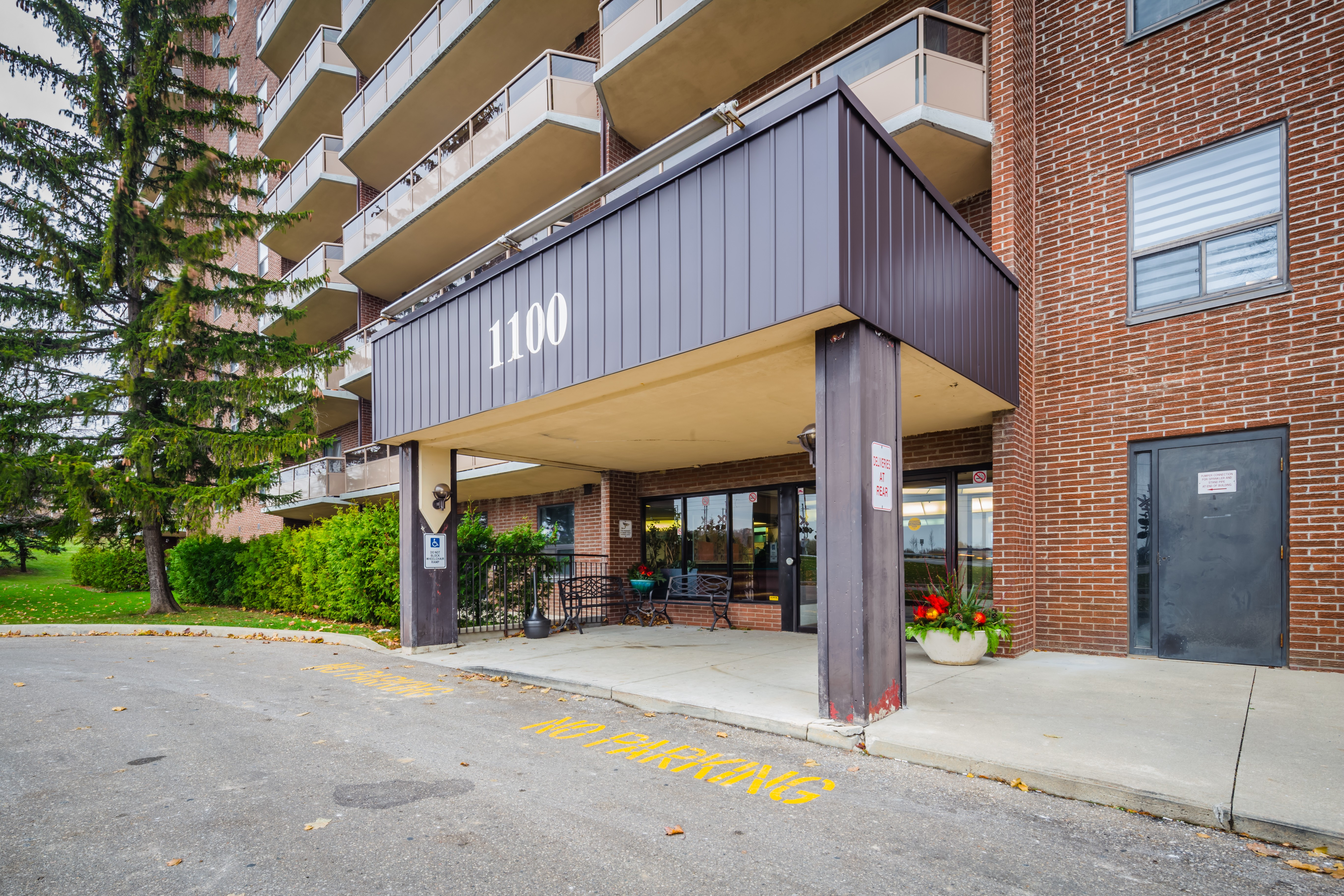 Courtland Terrace at 1100 Courtland Ave E, Kitchener 0