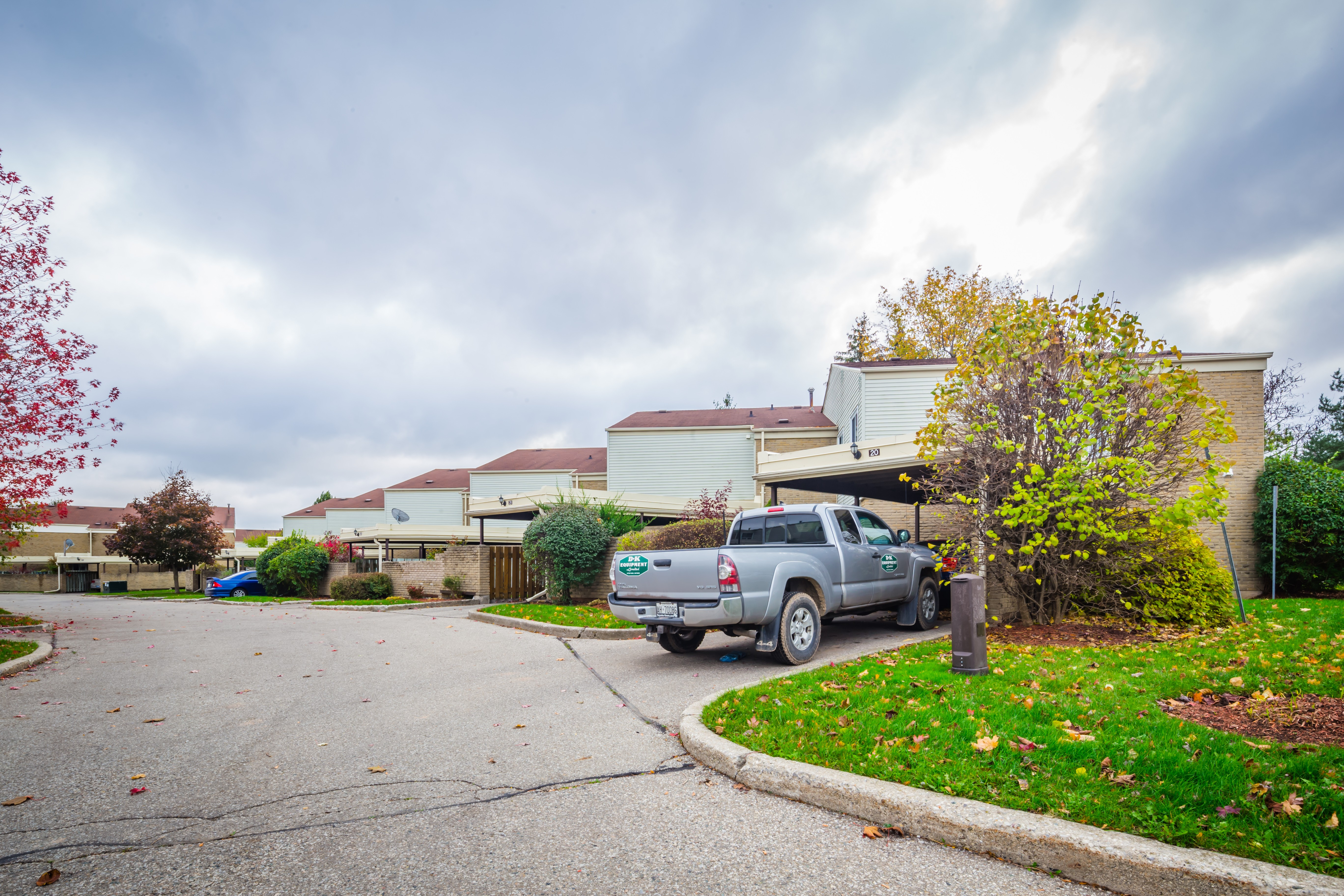 Chicopee Foothills Place at 415 Morgan Ave, Kitchener 1