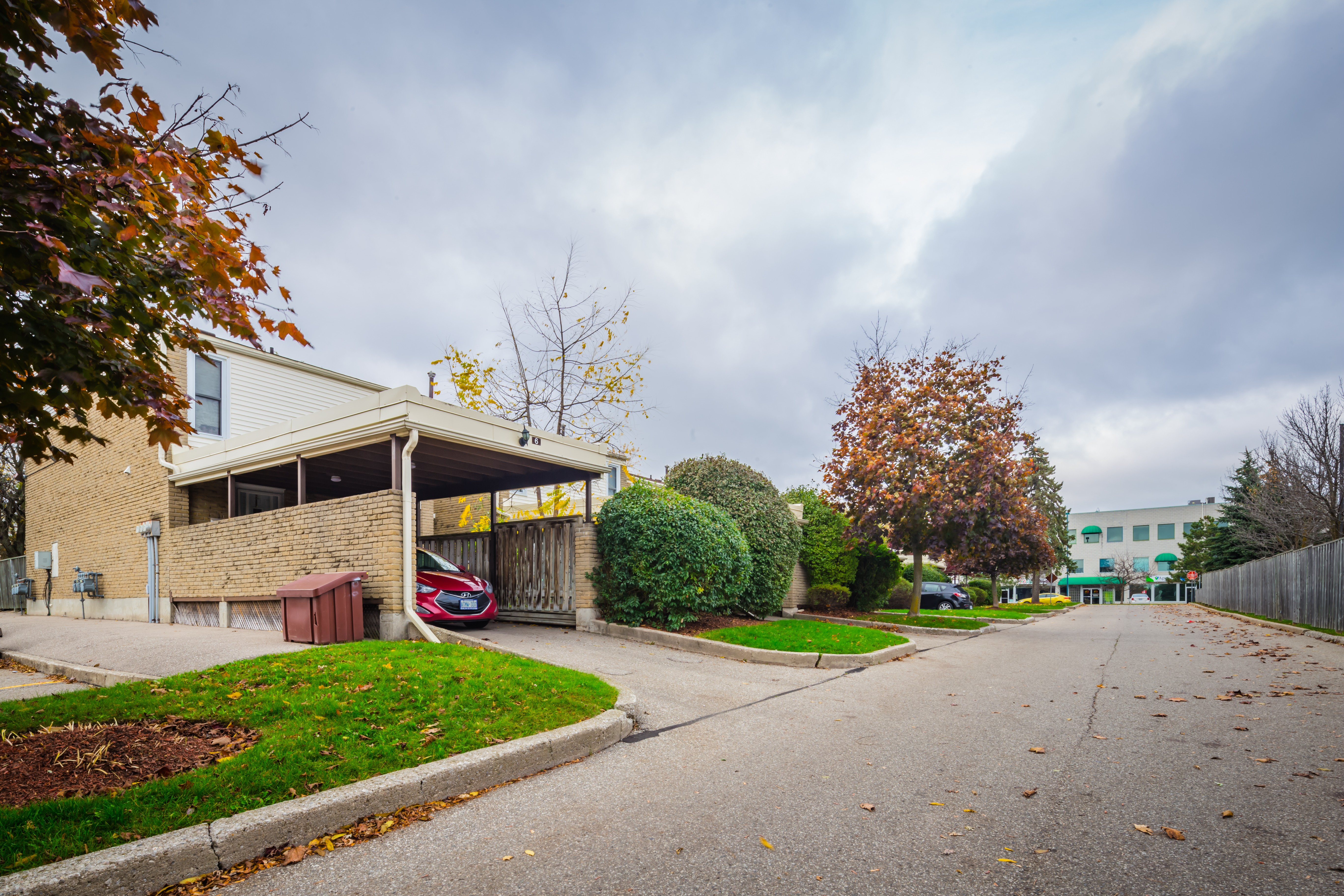 Chicopee Foothills Place at 415 Morgan Ave, Kitchener 0