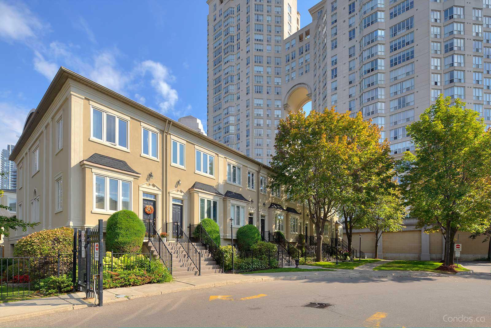 Grand Harbour Townhomes at 2289 Lake Shore Blvd W, Toronto 1