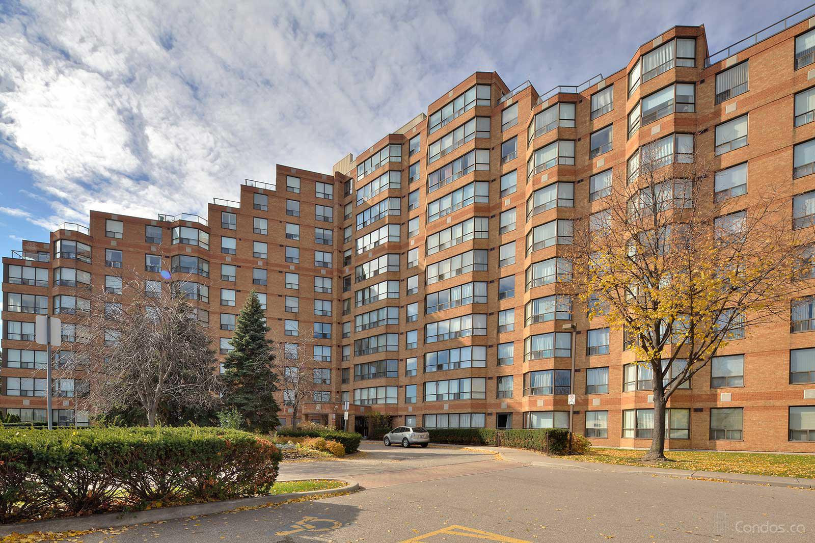 King's Terrace at 6 Humberline Dr, Toronto 1