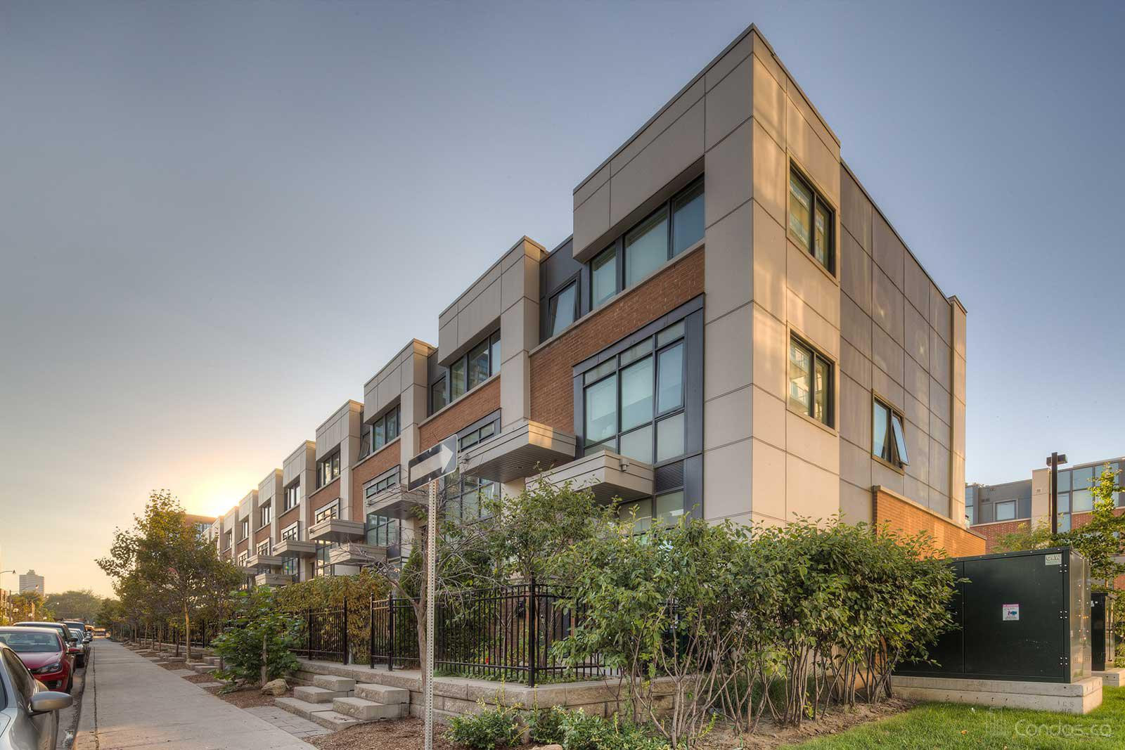 One Park West Townhomes at 13 Oak St, Toronto 1
