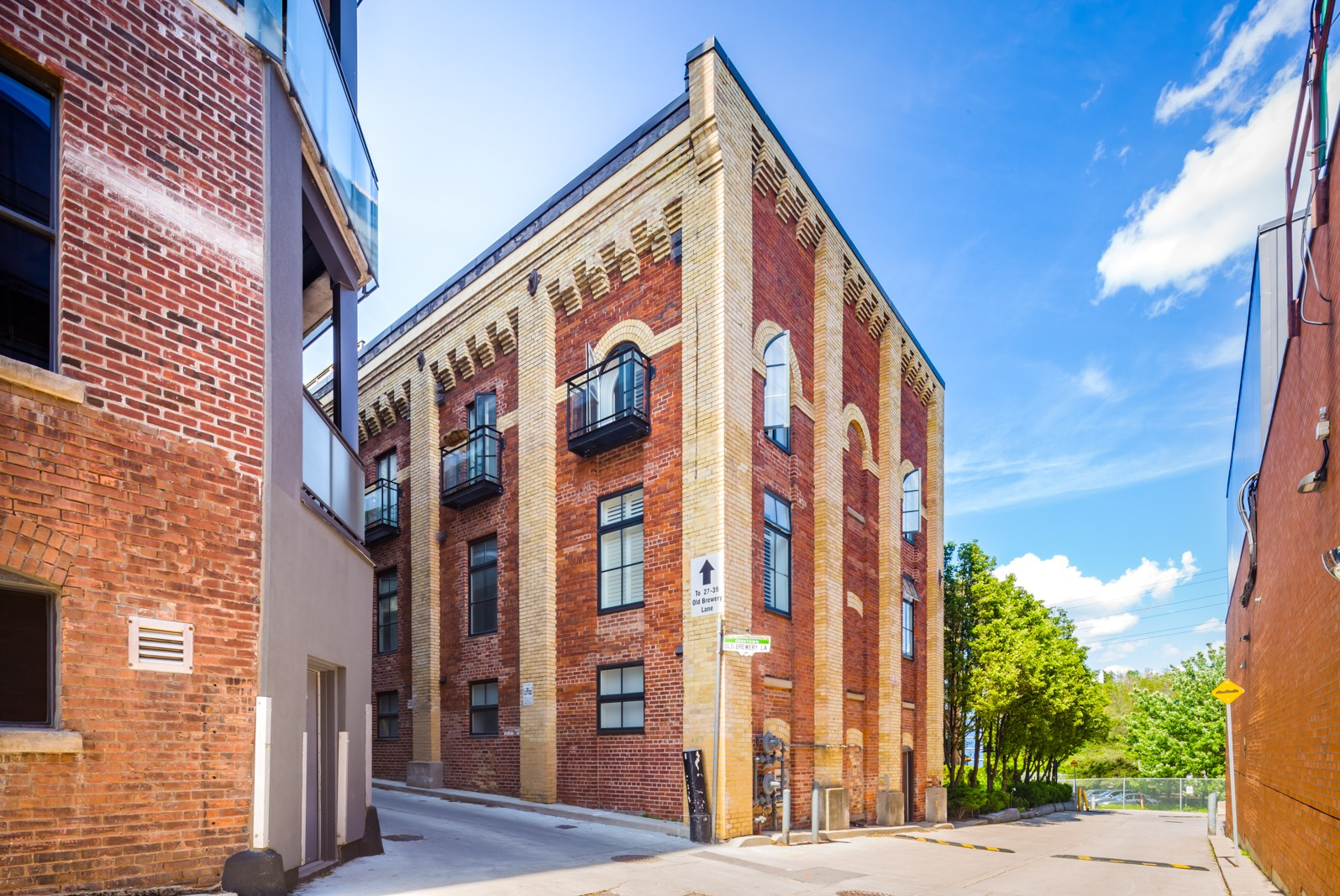 The Malthouse Loft Towns at 27 Old Brewery Ln, Toronto 1
