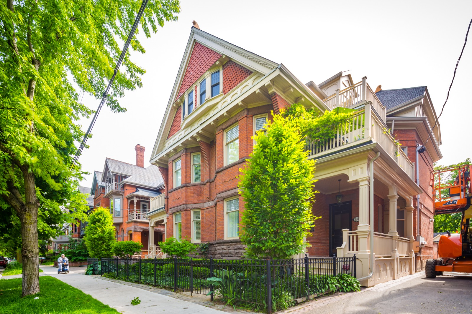 Bedford Mansion at 118 Bedford Rd, Toronto 0