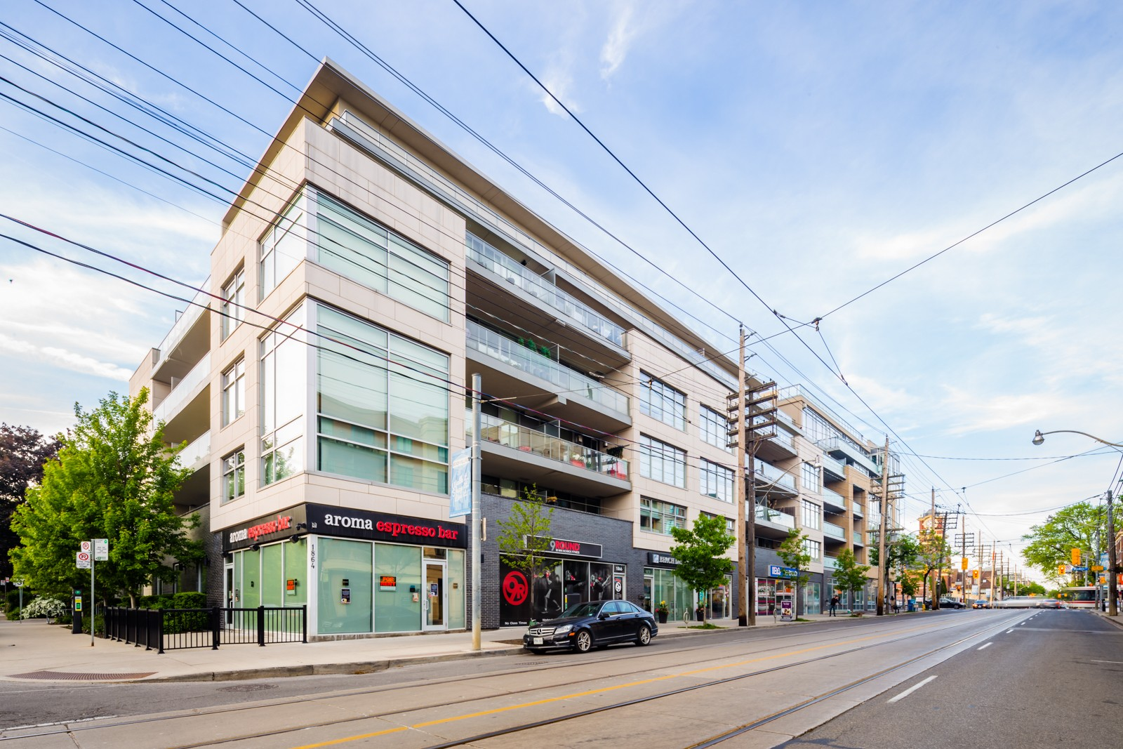 Two Hundred - The Beach at 200 Woodbine Ave, Toronto 1