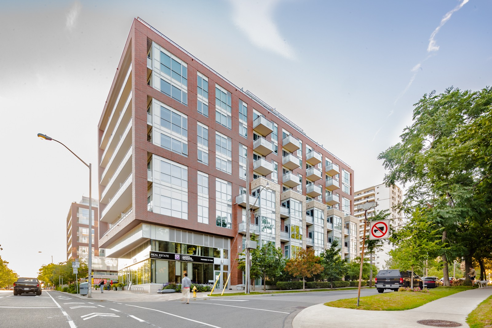 High Park Residences at 1830 Bloor St W, Toronto 0