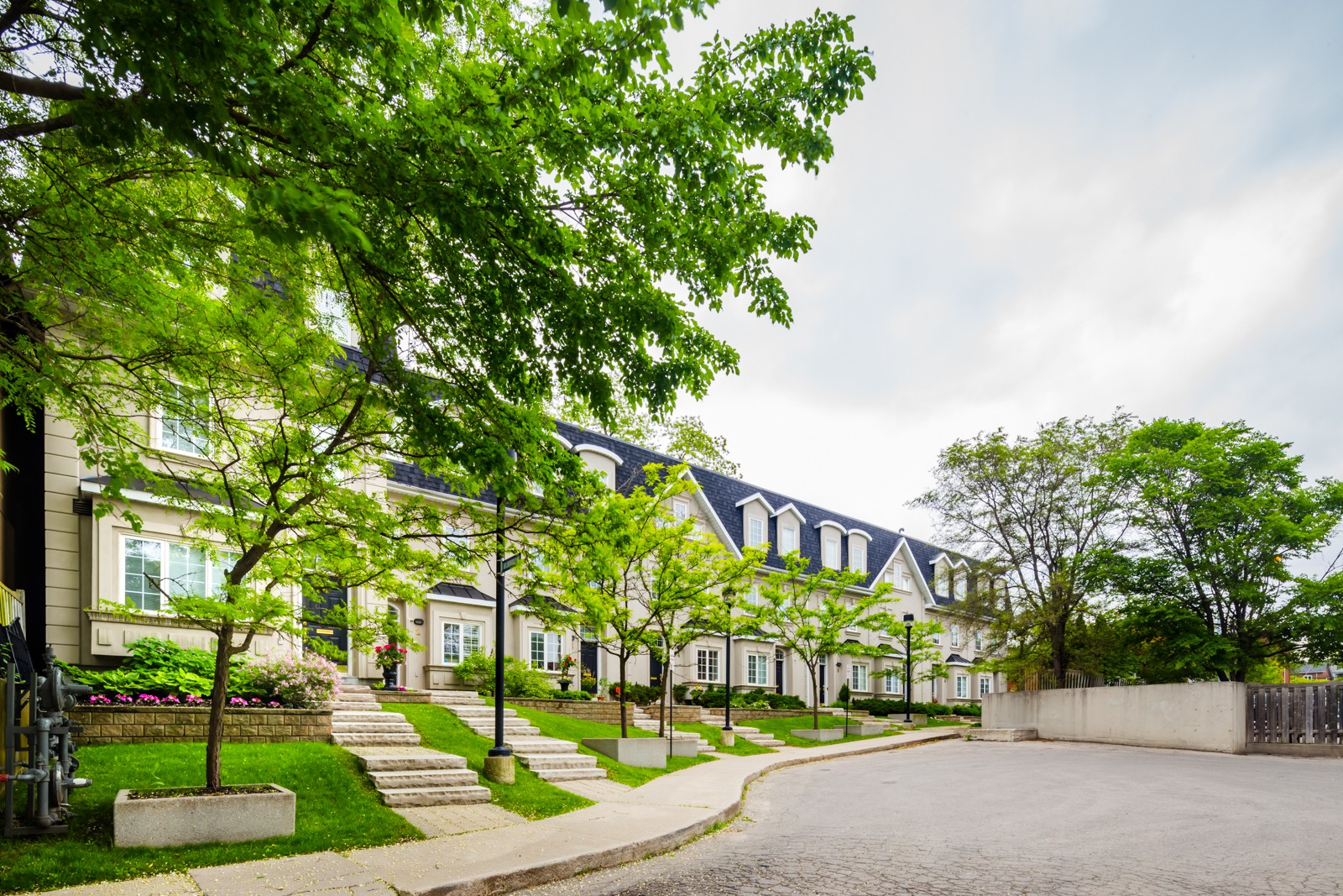 Lawrence Park at 60 Lorindale Ave, Toronto 0