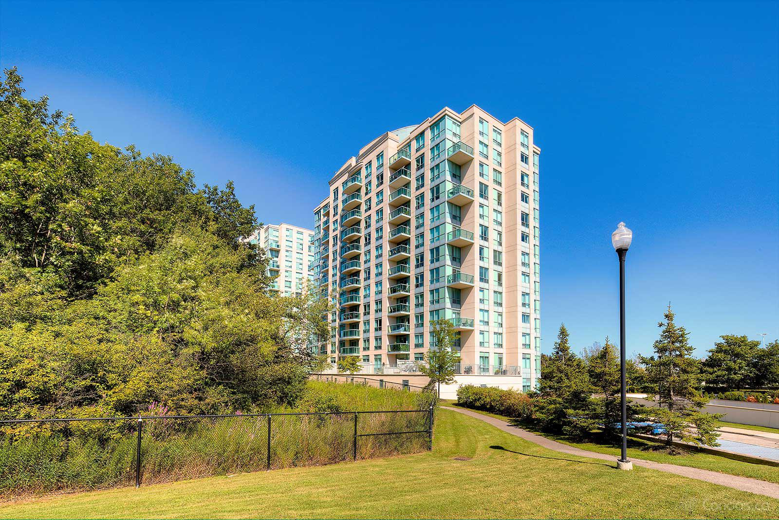 Parkway Place at 2585 Erin Centre Blvd, Mississauga 1