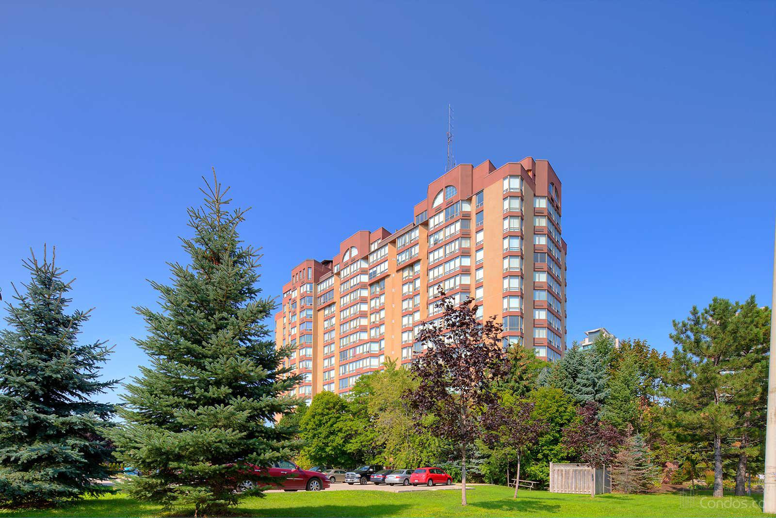 The Fairmont at 25 Fairview Rd W, Mississauga 0