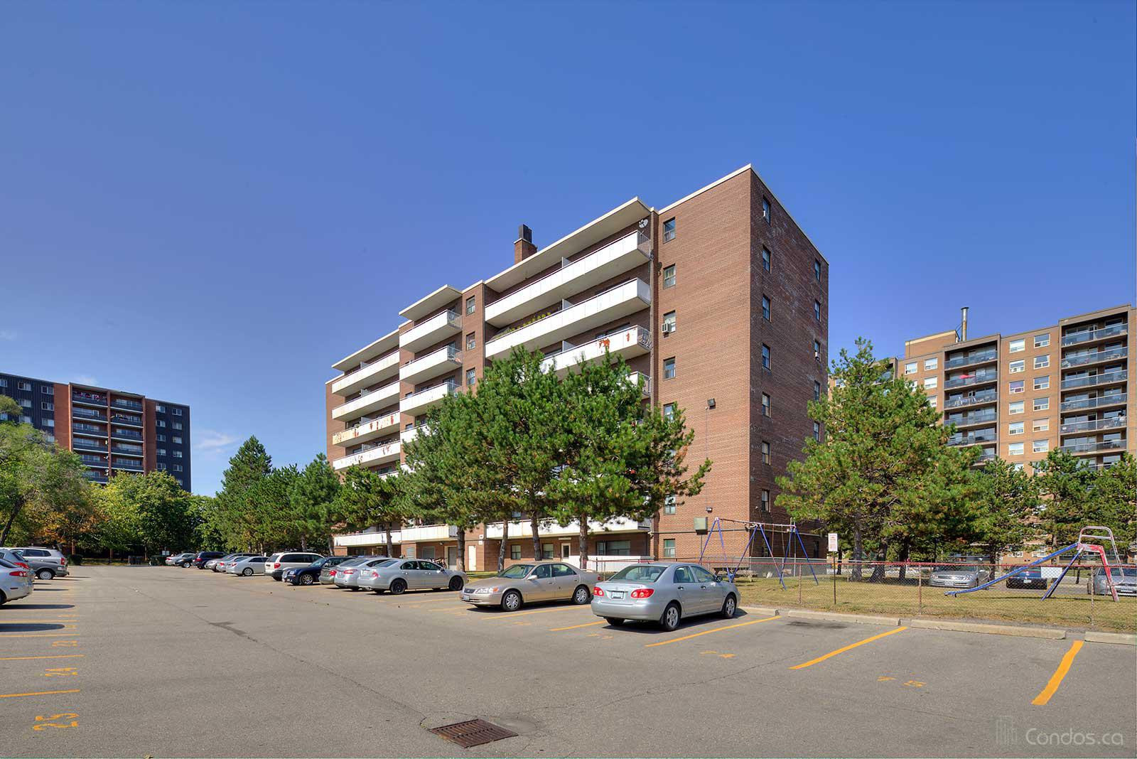 Bloorgate Towers at 3320 Fieldgate Dr, Mississauga 1