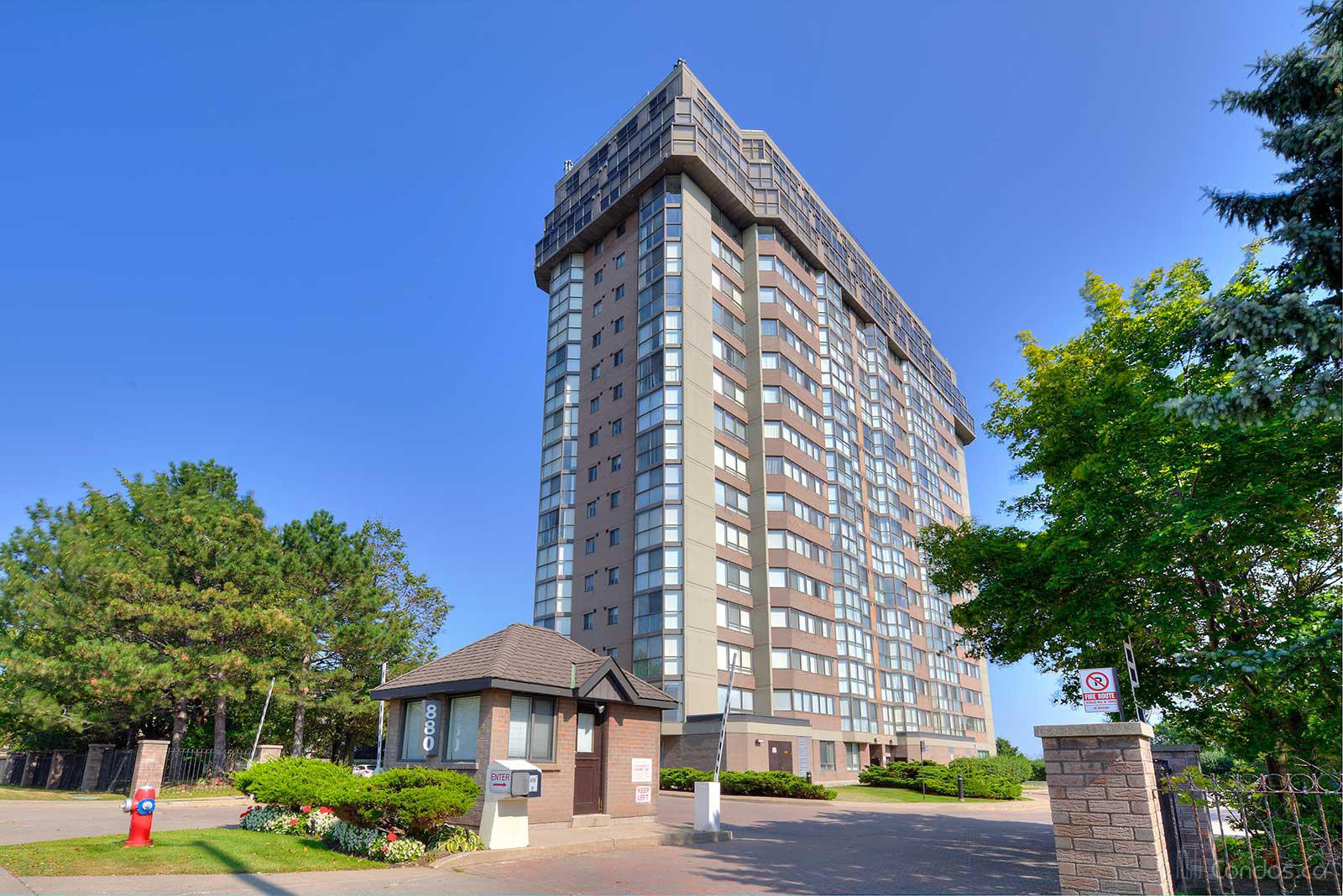 Kingsmere on the Park at 880 Dundas St W, Mississauga 0