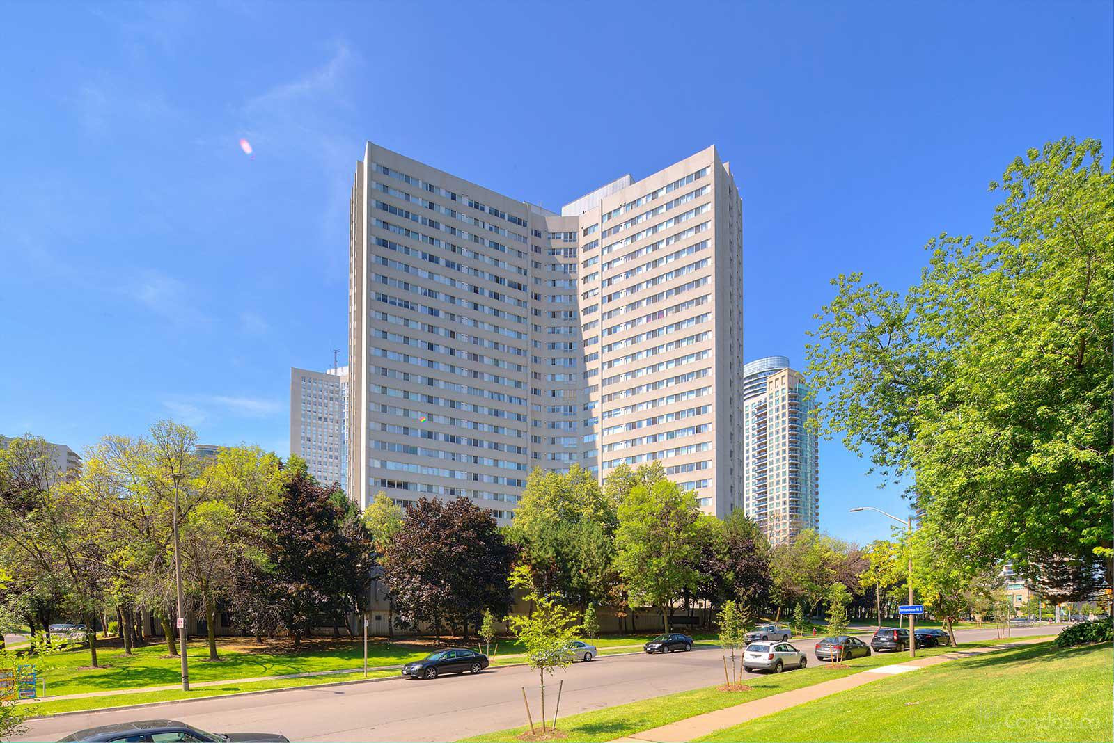 Place Avant at 3700 Kaneff Crescent, Mississauga 0
