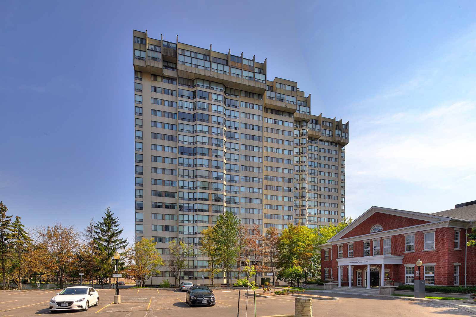 Sherwood Towers at 200 Robert Speck Pkwy, Mississauga 0