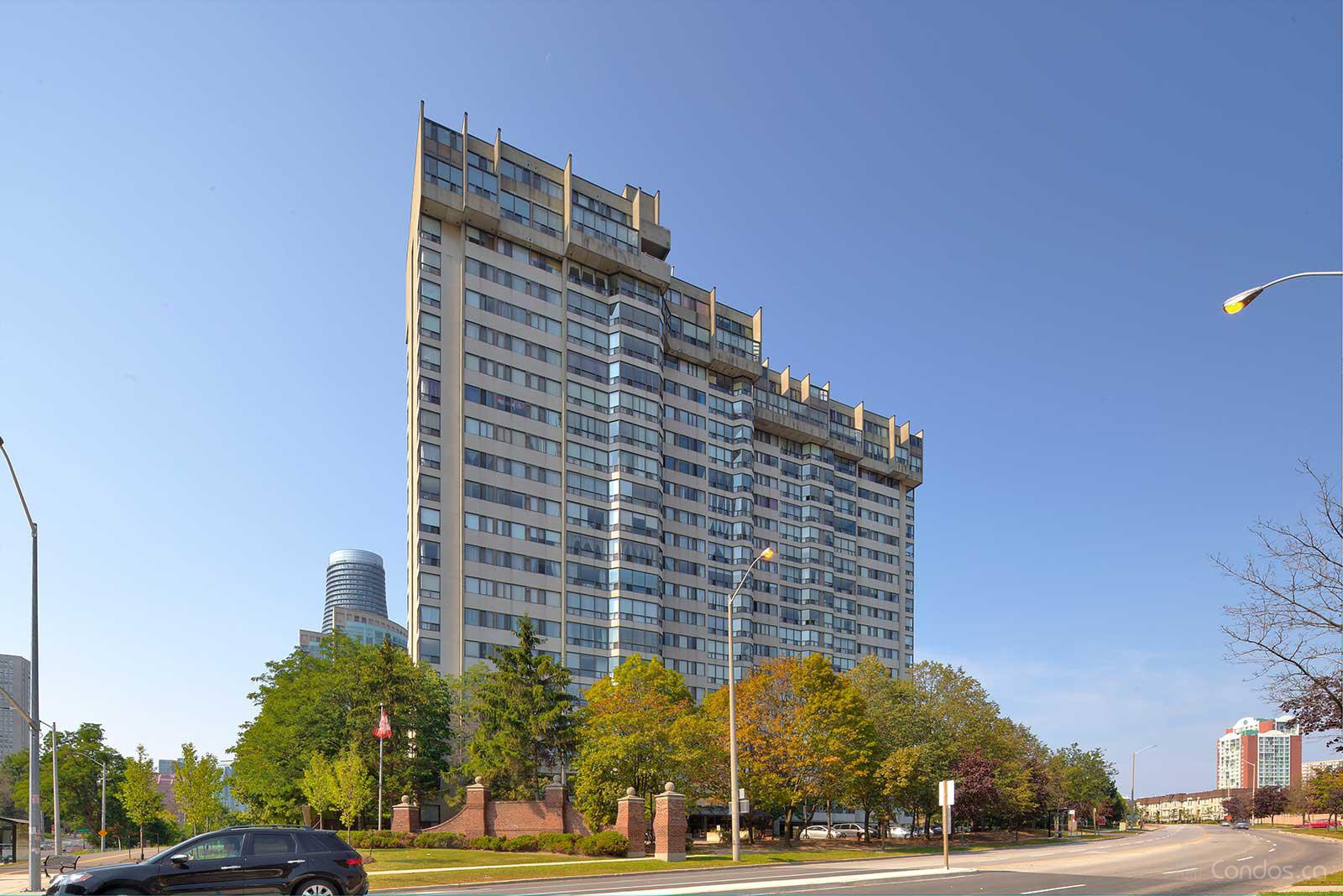 Sherwood Towers at 200 Robert Speck Pkwy, Mississauga 1