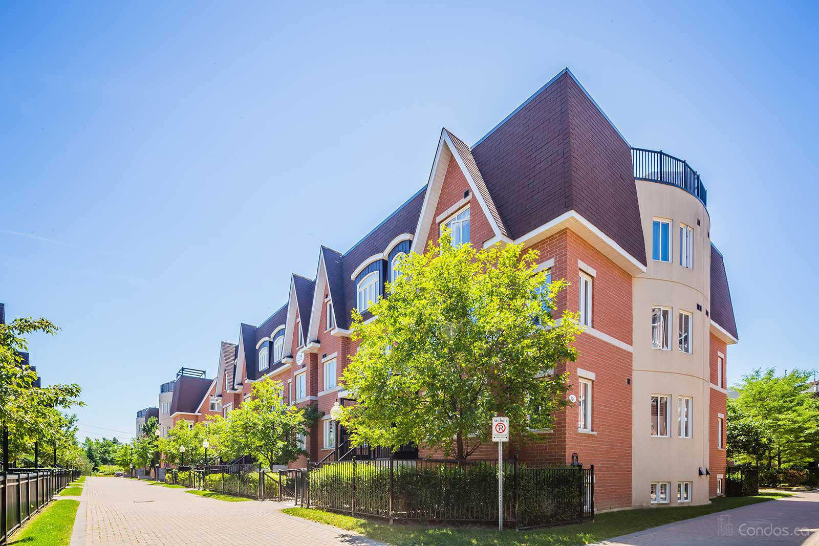 Townhomes of Thornhill Village at 306 John St, Markham 1